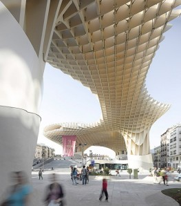 Completes_Metropol_Parasol_in_Seville-6-600x682