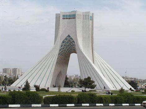 800px-Tehran_(Iran)_Azadi_Monument_(built_1971)